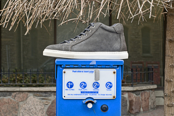 600 Blue Paper Gray High Top